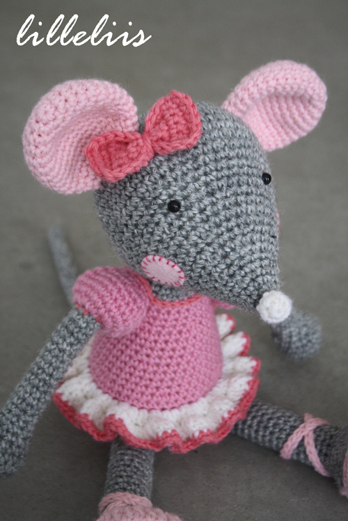 Free Amigurumi Pattern Little Girl Kate : Ballerina-Mouse amigurumi pattern - Amigurumipatterns.net
