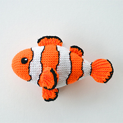 Clown fish amigurumi by The Flying Dutchman Crochet Design