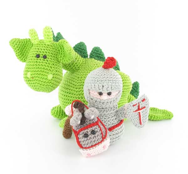 Dragon Age Amigurumi Pattern : Dibbes the dragon, Sir Roderick and his trusty steed ...