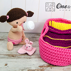 Little me playset amigurumi by One and Two Company