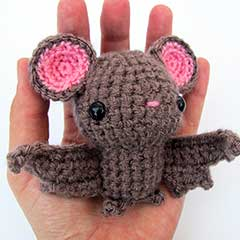 Little Bat amigurumi pattern by MevvSan
