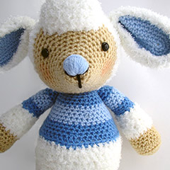 Lollo and Lulu Lamb amigurumi by Janine Holmes at Moji-Moji Design