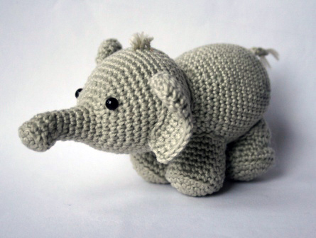 Olivier the elephant - Free amigurumi pattern