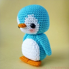 Pen-Pen the Penguin amigurumi crochet pattern by Berriiiz