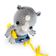 Pippo the Rhino plumber amigurumi pattern by airali design