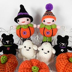 Pumpkin patch people amigurumi by Janine Holmes at Moji-Moji Design