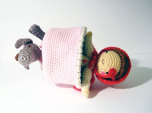 Amigurumi Patterns Wolf : Little red riding hood and wolf topsy turvy amigurumi pattern