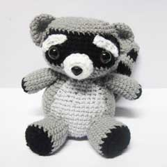 Rocky Raccoon amigurumi pattern by Sweet N' Cute Creations