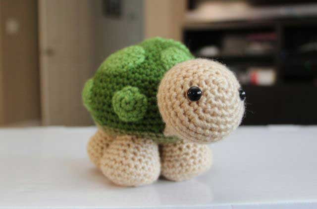Sheldon the little turtle - Free amigurumi pattern