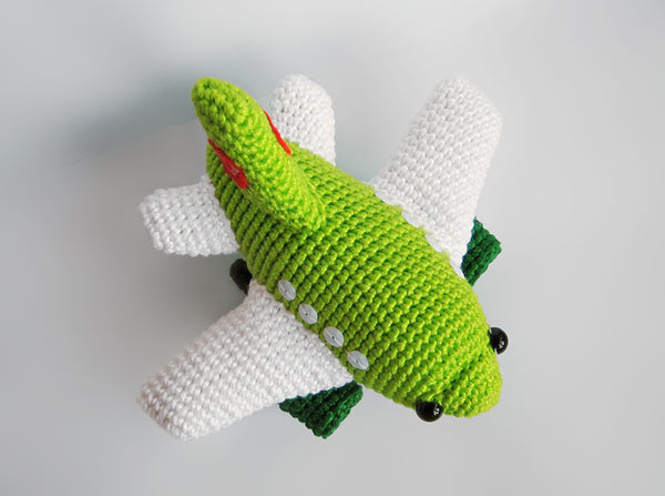 Cartoon airplane crochet pattern - Amigurumi Today | 447x600