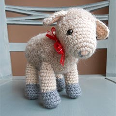 Sofie and Lucie little lambs amigurumi pattern by Little Wooly Creations