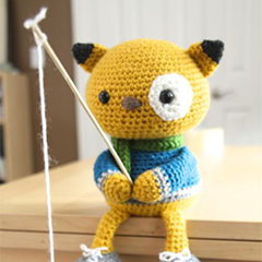 Spencer the fishing kitty amigurumi by Little Muggles