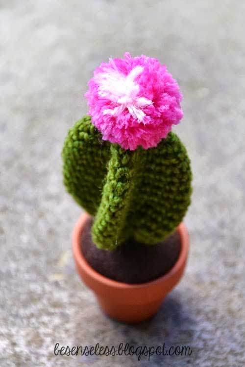 Free Crochet Pattern For Cactus : Star cactus - Free amigurumi pattern