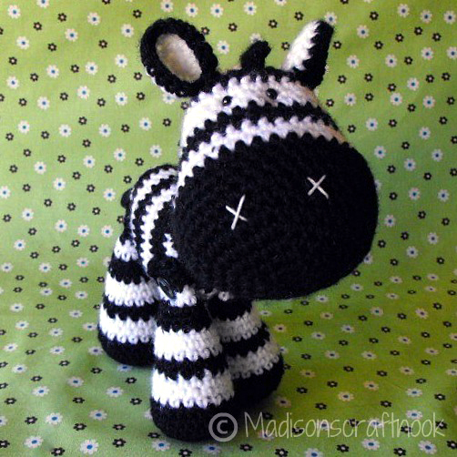 Zeb the zebra amigurumi pattern - Amigurumipatterns.net