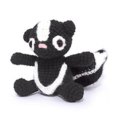 Zoomigurumi 2 Briella the skunk crochet pattern