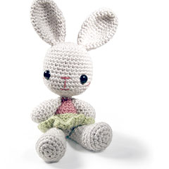 Zoomigurumi 2 Louise the bunny crochet pattern