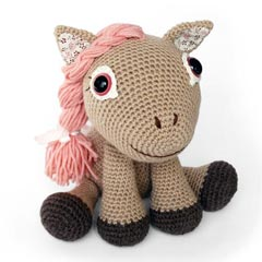 Zoomigurumi Leila the pony crochet pattern