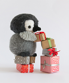 Amigurumi Winter Wonderland - Baby emperor penguin crochet pattern