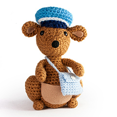 Amigurumi Animals at Work - Skippy the kangaroo mailman