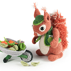 Amigurumi Animals at Work - Cyril the Squirrel gardener